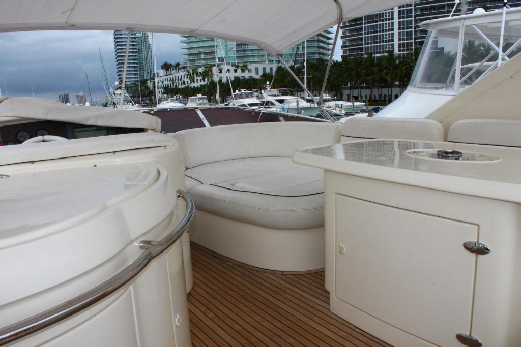 62 Azimut' Yacht Inside