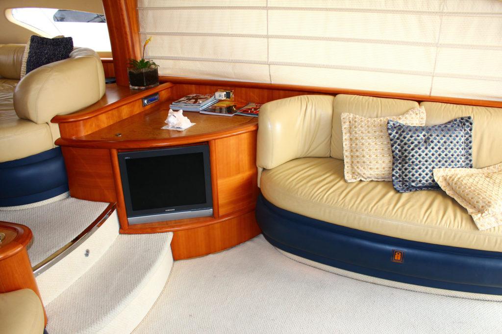 62 Azimut' Yacht Interior