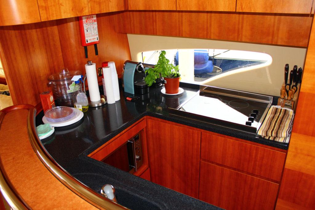 62 Azimut' Yacht Kitchen