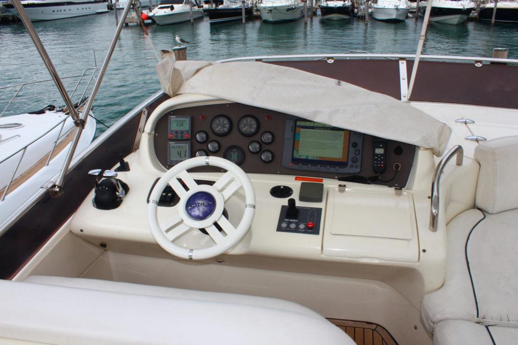 62 Azimut' Yacht Wheel