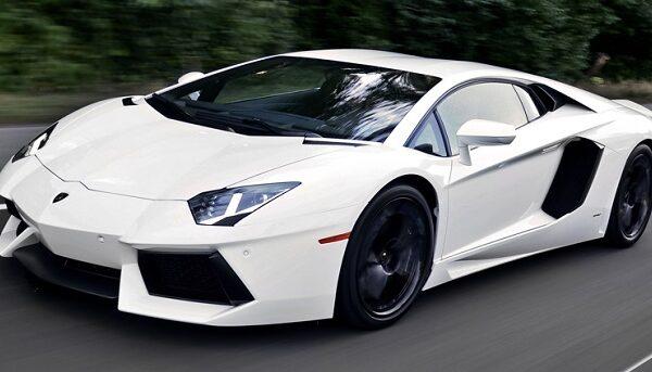 White-Lamborghini-Aventador car rental