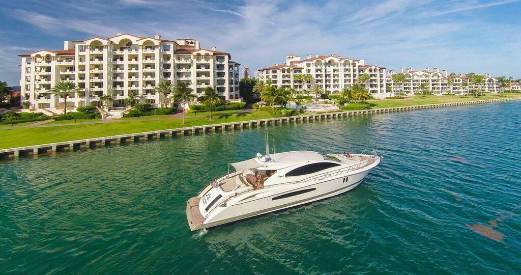75' Lazzara LSX Boat in Miami