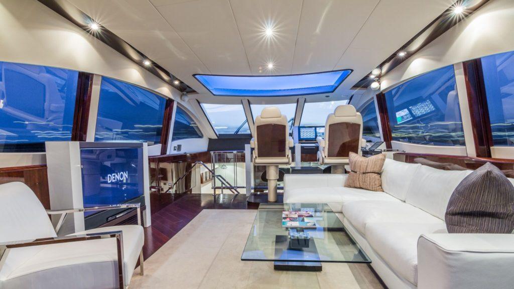 75' Lazzara LSX Yacht Interior