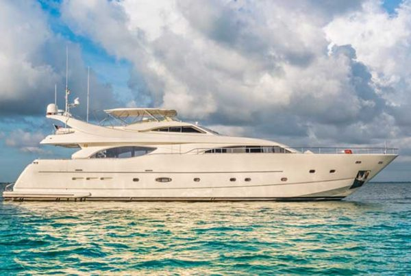 94' ferreti yacht rental Miami