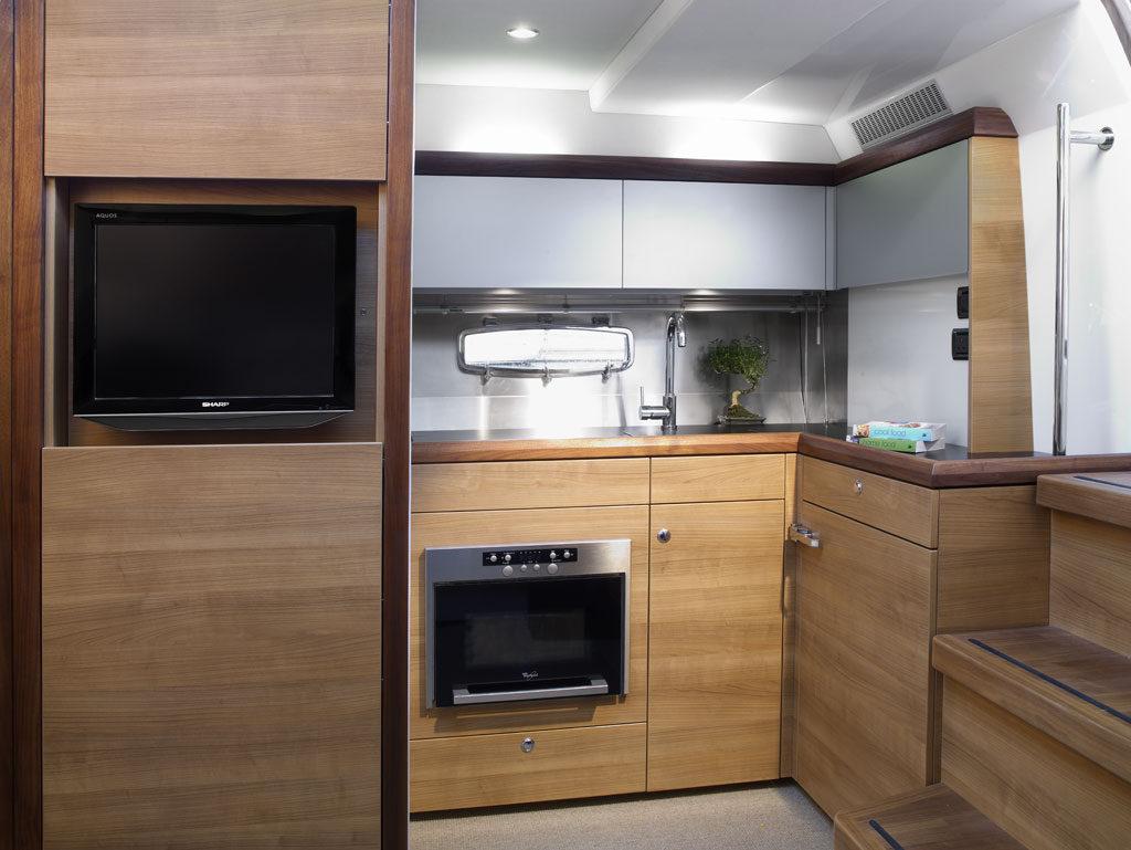 Sealine 40 Interior Boat Rental Miami 2