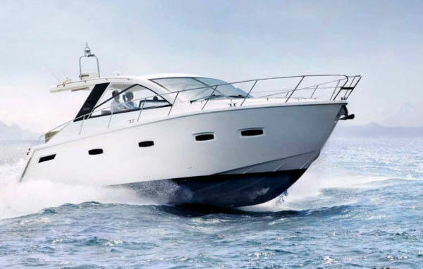 Sealine 40 Luxury Yacht