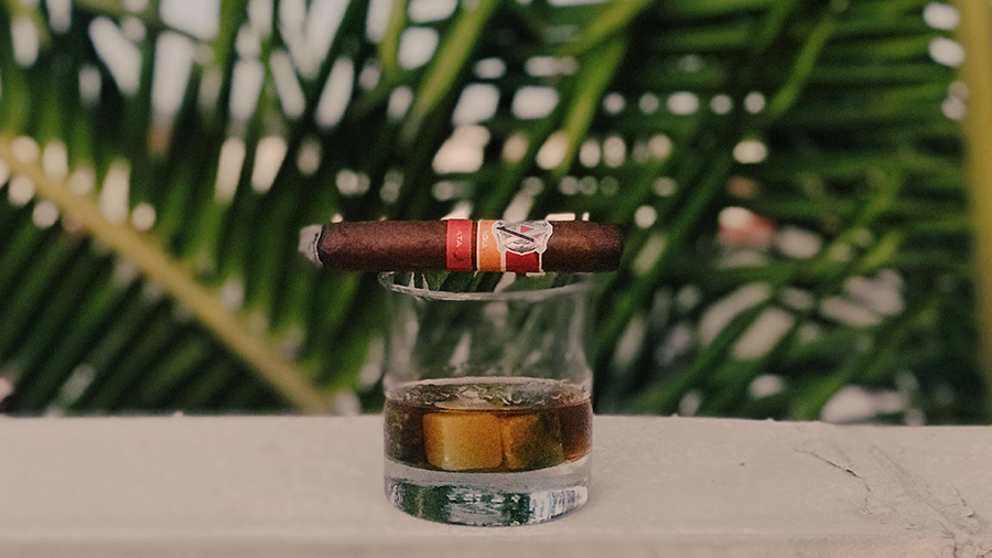 5-finest-cigar-bars-in-Miami